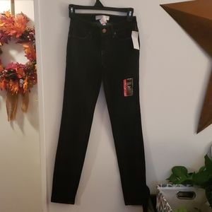 No Boundaries Stretch Fit Skinny Jeans Size 3 NWT